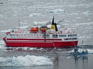 freetoedit greenland travel ship