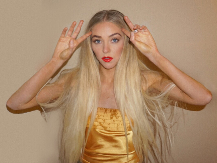 #freetoedit #blonde #longhair #blondehair #portrait #girl #tan #bronze #redlips #lips #warm #blueeyes