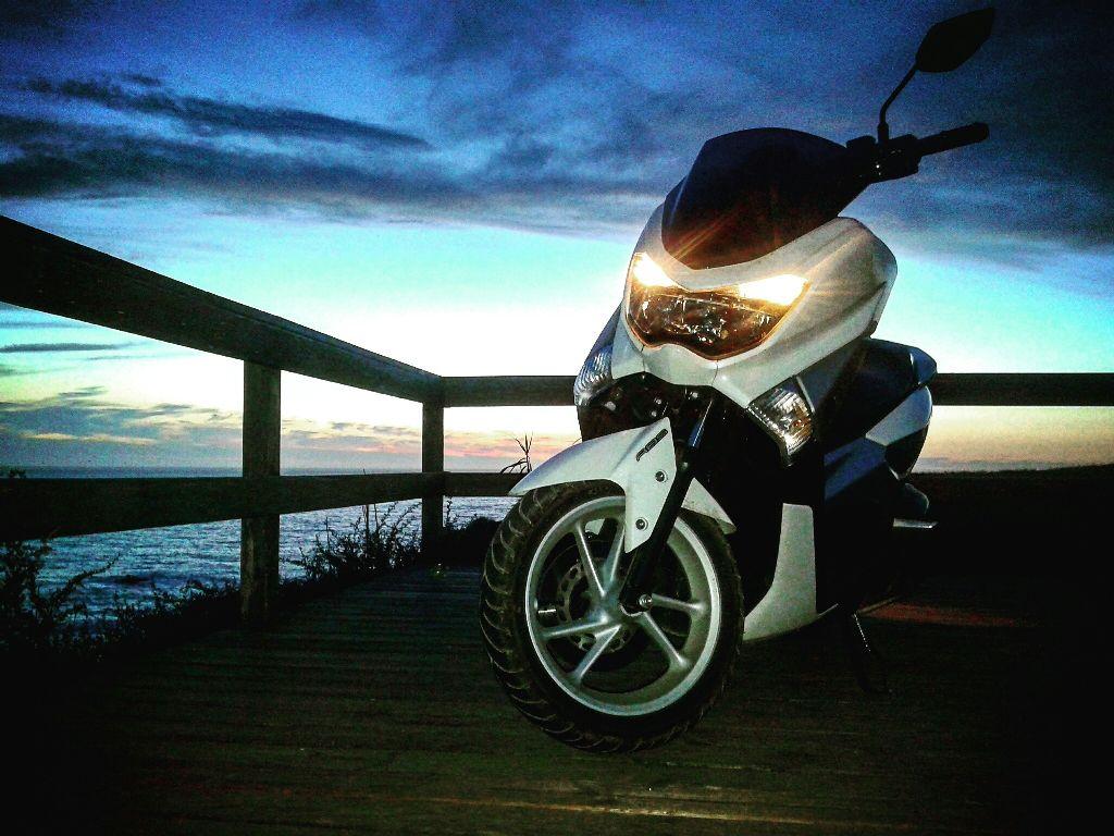 Yamaha Nmax 125 Sunset