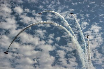 fly airshow cloude