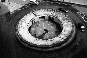 streetphotography urbanphotography roundabout cars blackandwhite