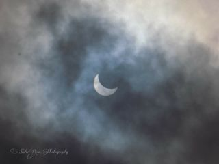 sun solareclipse eclipse2017 cloudyday awesomepicture