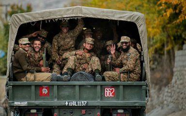 portrait freetoedit army pakistan soldier