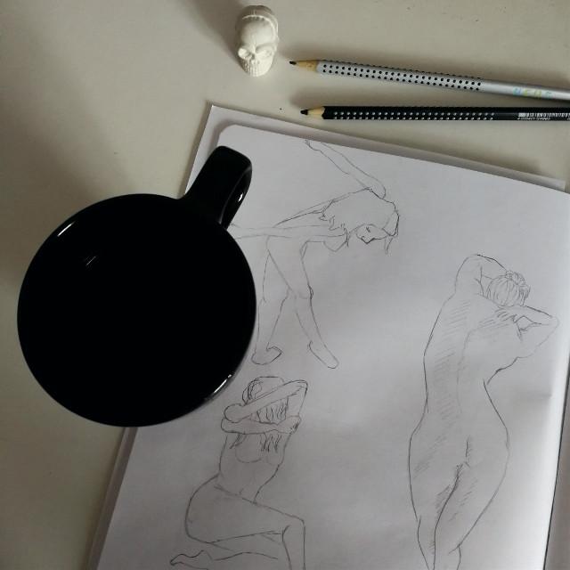 #morning #cosy #figuresketch #sketching #drawing #autumn #fall #pencilart #pccoffeetime #coffeetime