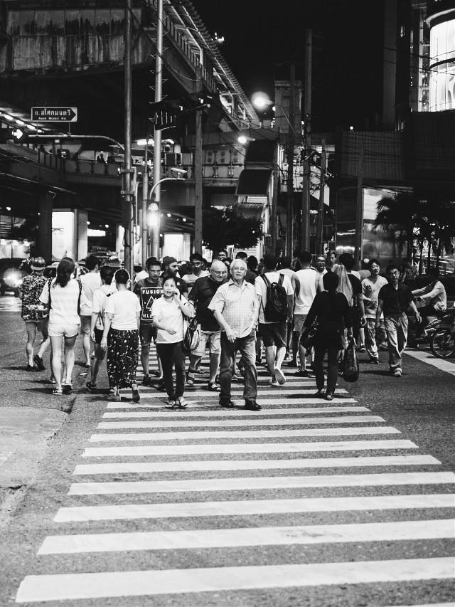 #digitalphoto #digitalphotography #lumix #panasoniclumixg3 #panasonic #blackandwhite #streetphotography  #mft #microfourthirds #micro4/3 #m43 #street #zebra #zebracrossing #thailand #bangkok #crowd