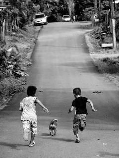 blackandwhite children games streets summer