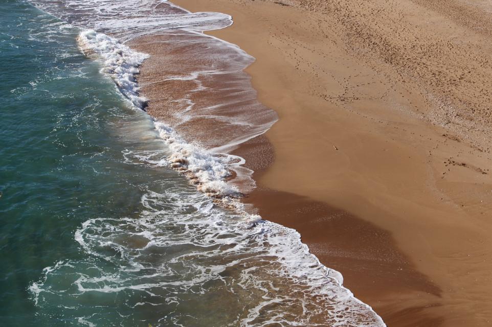 #nature #beachview #fromabove #seaandsand #waves #sunnylight #naturesbeauty #seafoam #footstepsinthesand #naturephotography