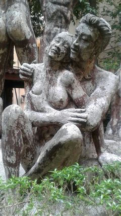 statue art representslove couple masterpiece