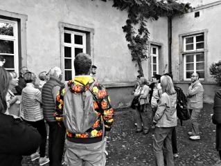 visiting old buildin history exploring freetoedit