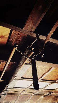 roof garage cineramaeffect metal wood