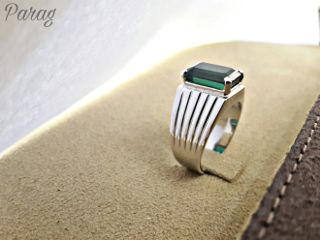 freetoedit green emrald whitegold ring