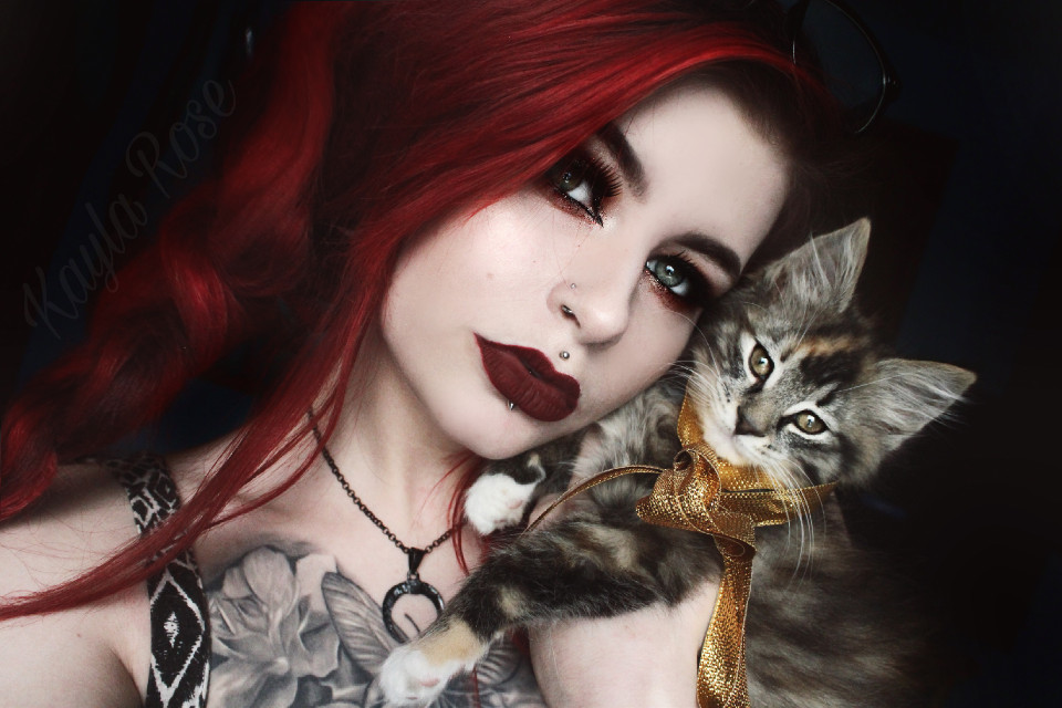 #redhead #ginger #alt #alternative #alternativemodel #sexy #kitten #merrychristmas #christmasmakeup #greeneyes #calico #catphotography #FreeToEdit