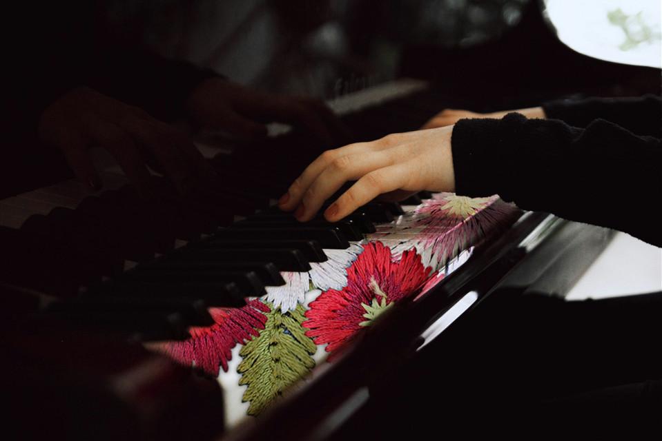 #piano #hands #flower
