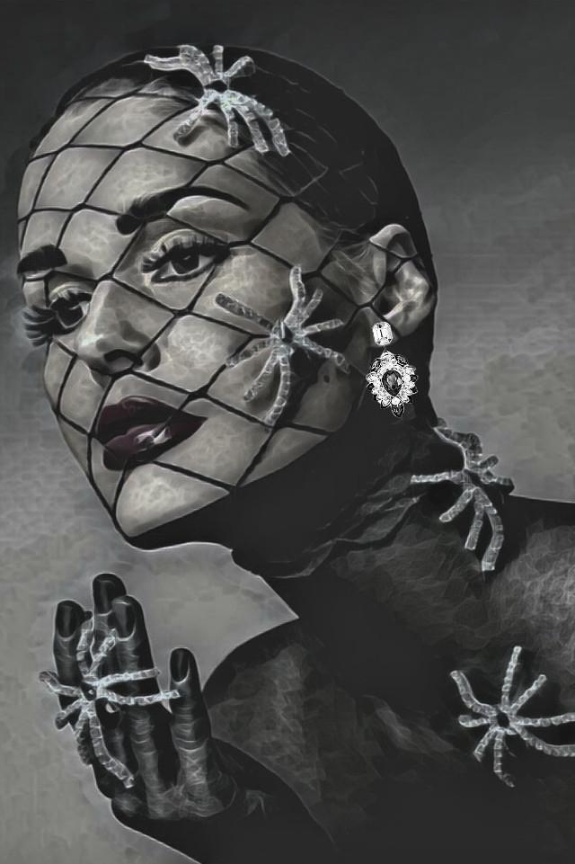 good night 🌜dear friends 🙋🌷   #freetoedit #womanportrait #black & white