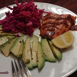 foodphotograhpy salmon cabbage aguacate food
