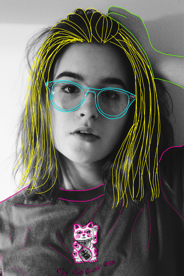 #freetoedit #outline #colores #lines #girl #woman #hair #glasses #face #blackandwhite #cat #remix #edit #myedit 🙂🌠✨