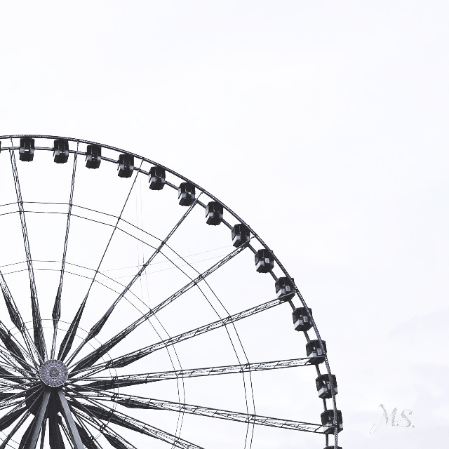 #ferriswheel #paris #minimalism #photography #minimalart #minimal #lessismore #keepitsimple  #freetoedit