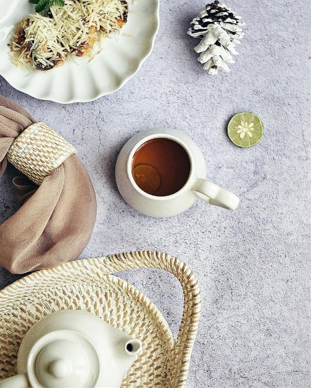 Tea Time #tea #teatime #lemontea #stillife #flatlay #foodphotography #foodpic #hotdrink