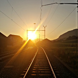 sunrise sunrays morningroutine orange railway