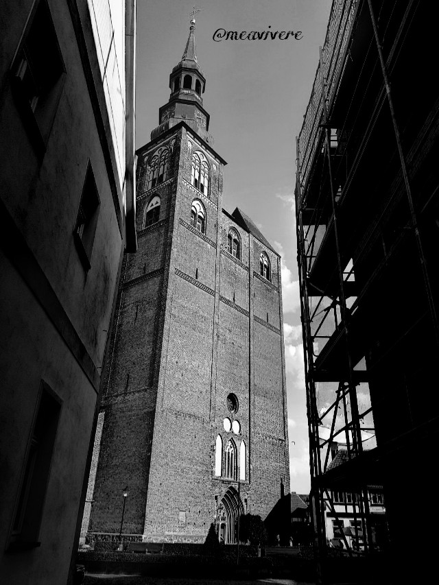 Greetings to all <3 #blackandwhite #urban #blackandwhitephotography  #church #photography  #architecture #monochrome #travel #germany #cathedrale #view