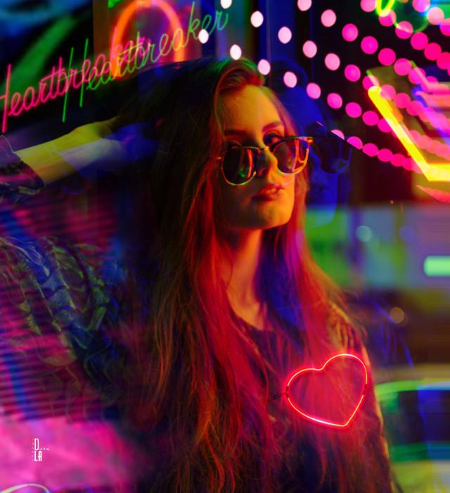#glitch #neon #freetoedit
