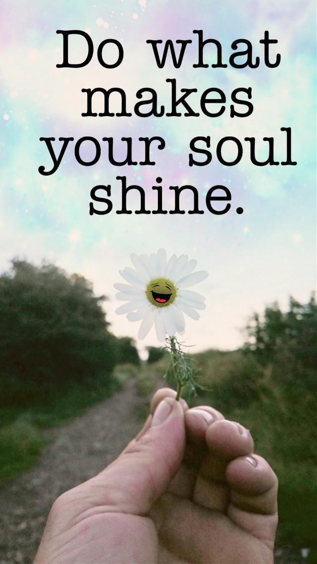 Wishing all a happy Sunday #daisy #flower #flowerpower #sunday #quotesandsayings #stickers #happiness #freetoedit