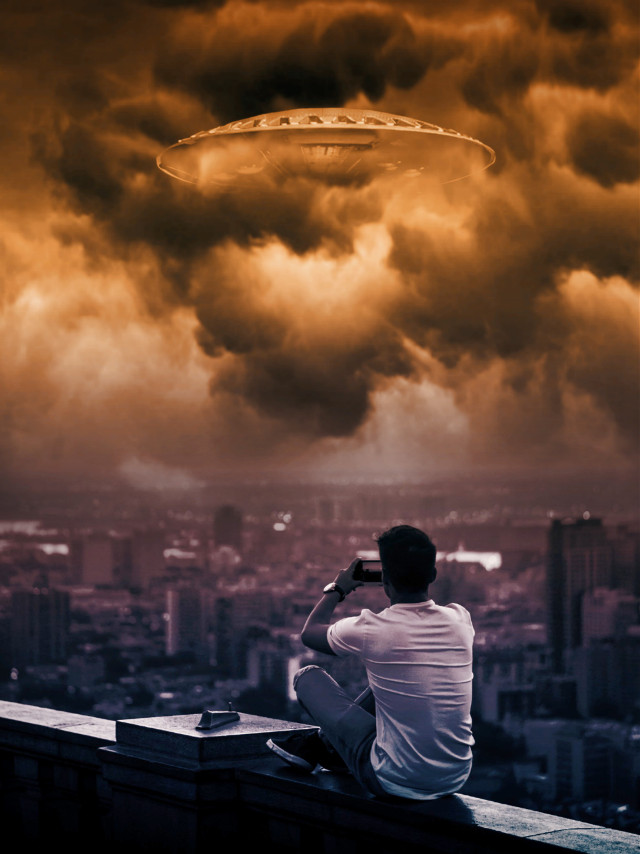 Image from @freetoedit gallery clouds from unsplash #photomanipulation #photoblending #ufo #stickers #myedit #surreal #gradient