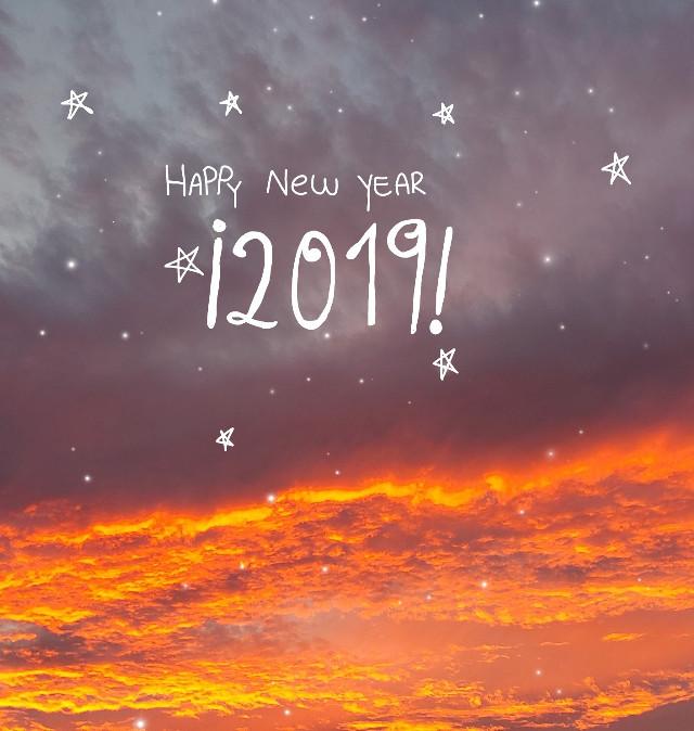 #freetoedit  Espero que tengan un lindo año,ya terminó este maravilloso 2018 y bueno...linda noche♡.