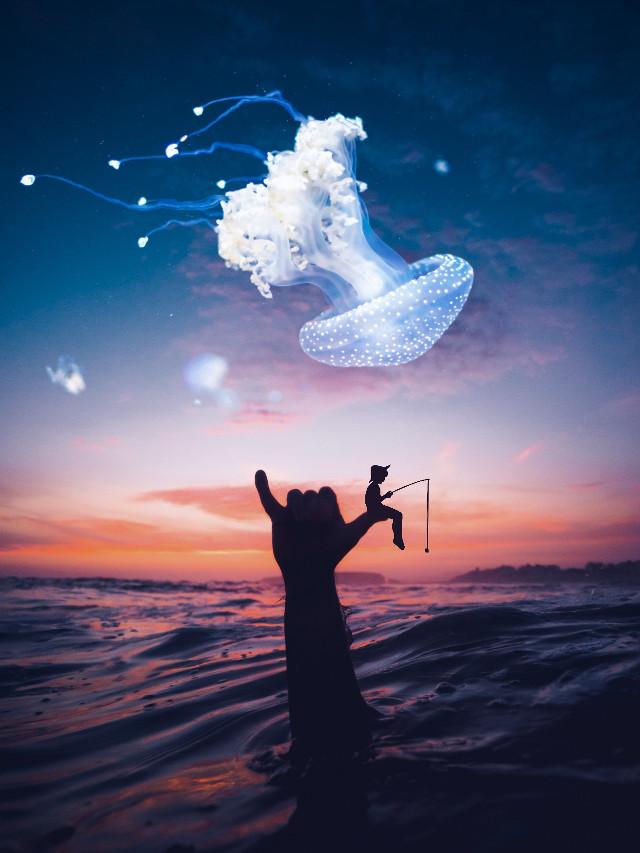 ▶️ It's a magical jelly fish 🌀  #freetoedit #jellyfish #boy #fishing #hand #shadow #underwater#artstic #manipulation #artistrecognition #artofvisuals