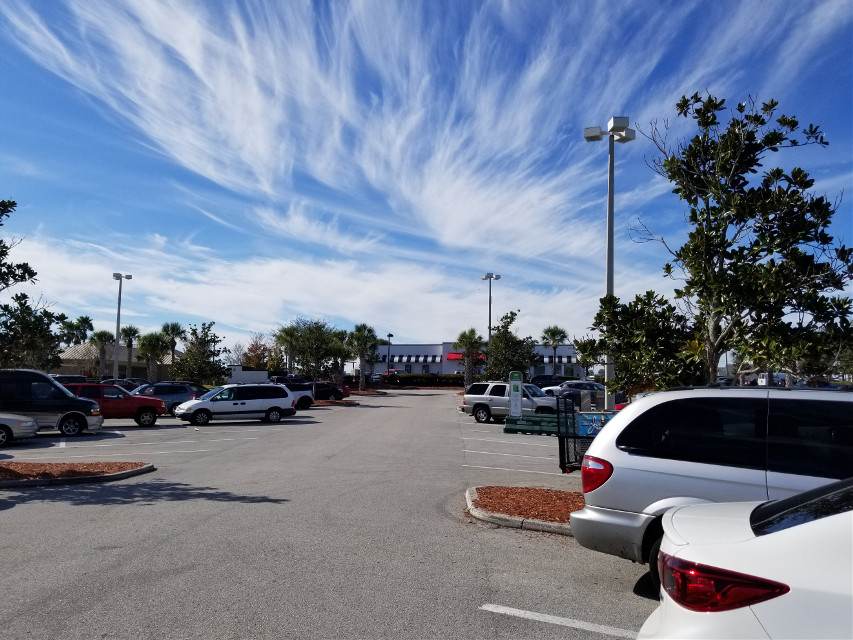 Beautiful Florida sunshine today and the skies magnify the awesome wonders of nature🌞🌞🌞 #sunshine #sunny #skies #bluesky #brightsun #brightsunnyday  #blueskywithclouds #nature #floridasky #outdoors #clearskies #freetoedit