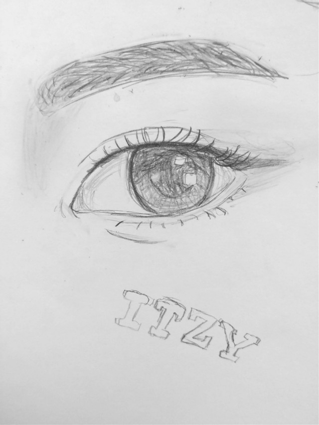 Can you guess who's eye this is?? The colored version will be up shortly!! I'm having so much fun making these  Ugh i am getting sick I'm just lucky i don't have school tomorrow😷   #freetoedit #kpopfanart #kpop #art #drawing #myart #mydrawing #fanart #itzy #ryujin