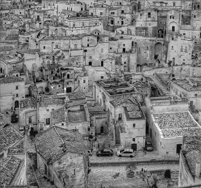L' incredibile Matera  #freetoedit #cityphotography #cityscape #houses #alleys #viewfromabove #blackandwhite #matera #europeancapitalofculture2019 #basilicata  #italy #myphotography