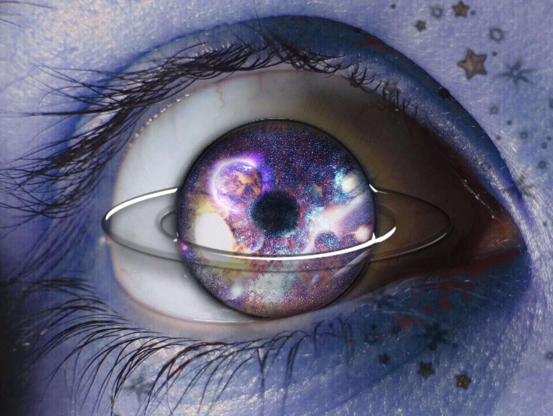 Картинка глаз космос