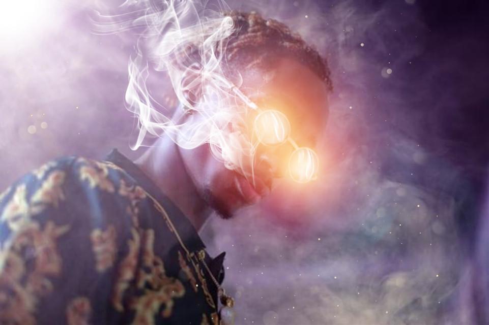 #freetoedit @chillxpix #rapper #smoke #glasses #light #glare #surreal #picsart #madewithpicsart #manipulation