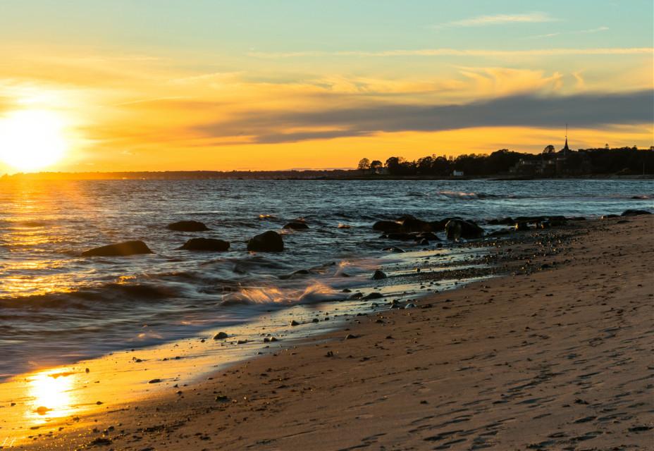 #freetoedit #naturephotography #oceanscape #sunsetsilhouette