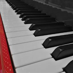 colorsplash red macro closeup piano