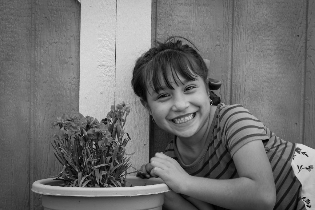 niece phootshoot #niece#photoshoot#plants#flowers#spring