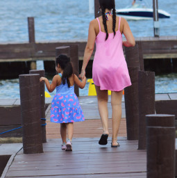 freetoedit peopleatthelake peoplephotography motheranddaughter colorful