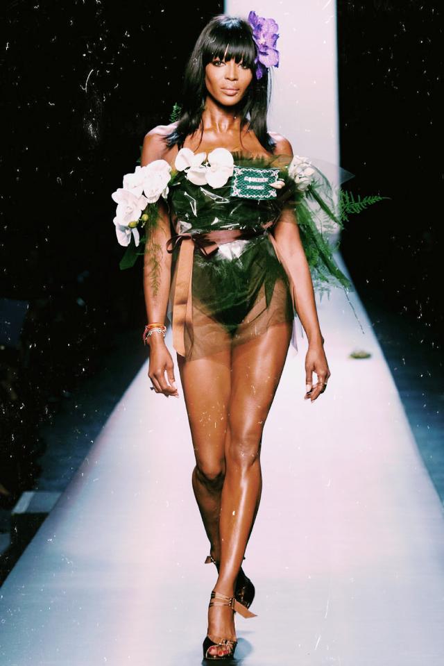 #freetoedit #naomicampbell #icon #fashionmodel #supermodel #runaway #fashionshow #fashion