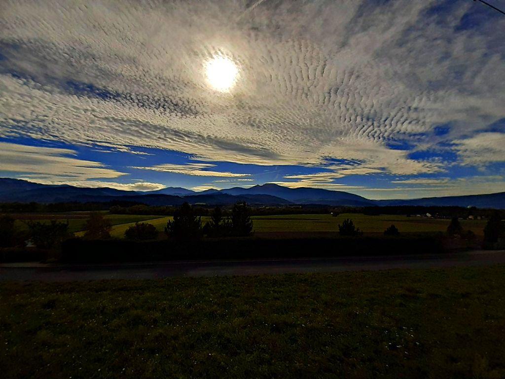 #landscape #cloudy #sunshine #mountains #nature