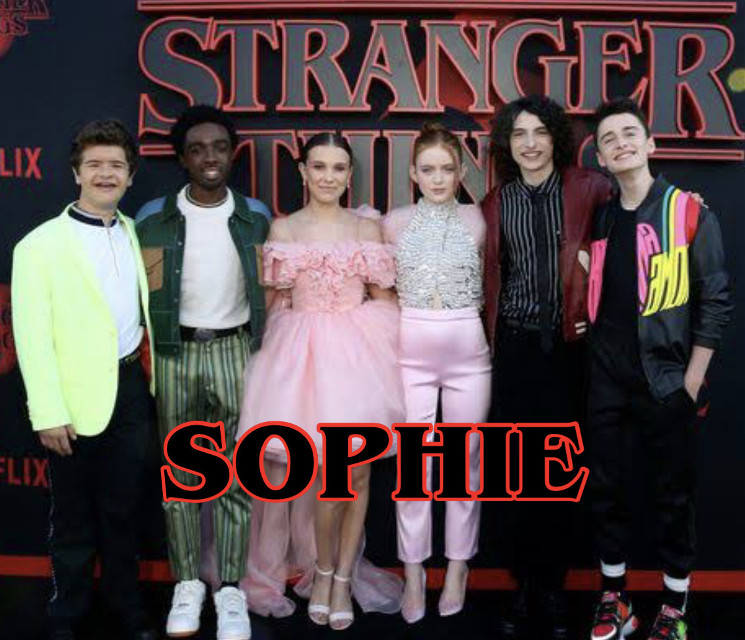 hey it's Sophie here♥  Yk that this Is our collab with @daydreamxchely and @mallory_mendes ♥ And btw can you all go follow my backup @millsxangel ♥   A few things abt me♥ Name:Sophie Age:12 years old Siblings:3 sisters🤧😂 Biggest fandoms: Harry Potter Shawn Mendes  STRANGER THINGS Riverdale and so much more!❤️ Yeah for now that's it❤️
