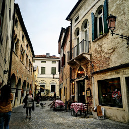 alley perspective treviso oldarchitecture oldcity