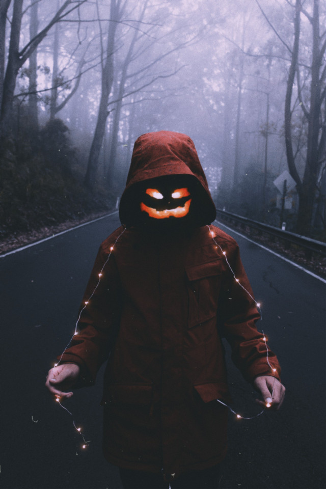 🎃happy halloween  #freetoedit #happyhalloween #hallowen #pumpkin #lights #people #silhouette #halloweenspirit  #night #forestwalk #darkness #dark #walking #spooky #madewithpicsart #myedit #halloweenspirit