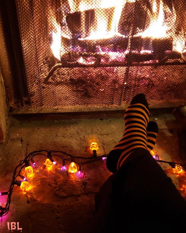 #freetoedit HAPPY HALLOWEEN 🎃🦇🎃🎃🕷️🕸️🕷️🎃 #sockselfie #striped #colorful #photography #Halloween #socks #fireplace #footselfie #stripes