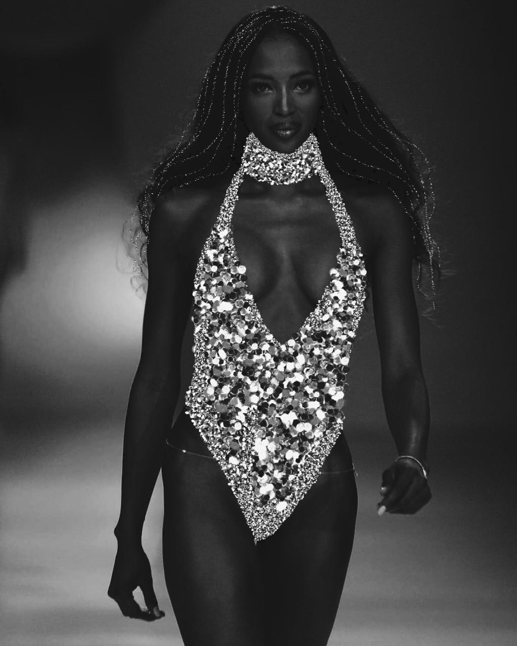 #freetoedit #naomicampbell #supermodel #silverglitterbrush  #blackandwhitephotography #blackandwhite