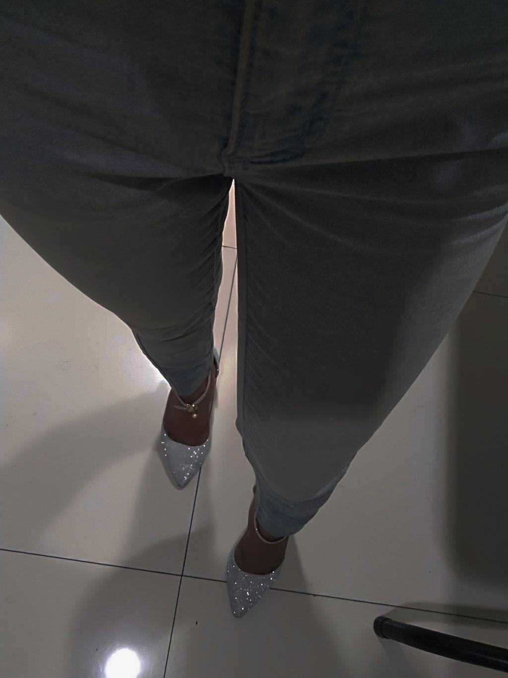 Bling Bling👠✨✨✨ #jeans #stilleto  #fashion #glitter #style #skinnyjeans #darkmode