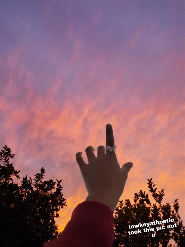 #madebylowkeyathestic #sunset #sunsetphoto #pretty #notfreeedit