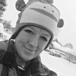 winter snow socold selfie