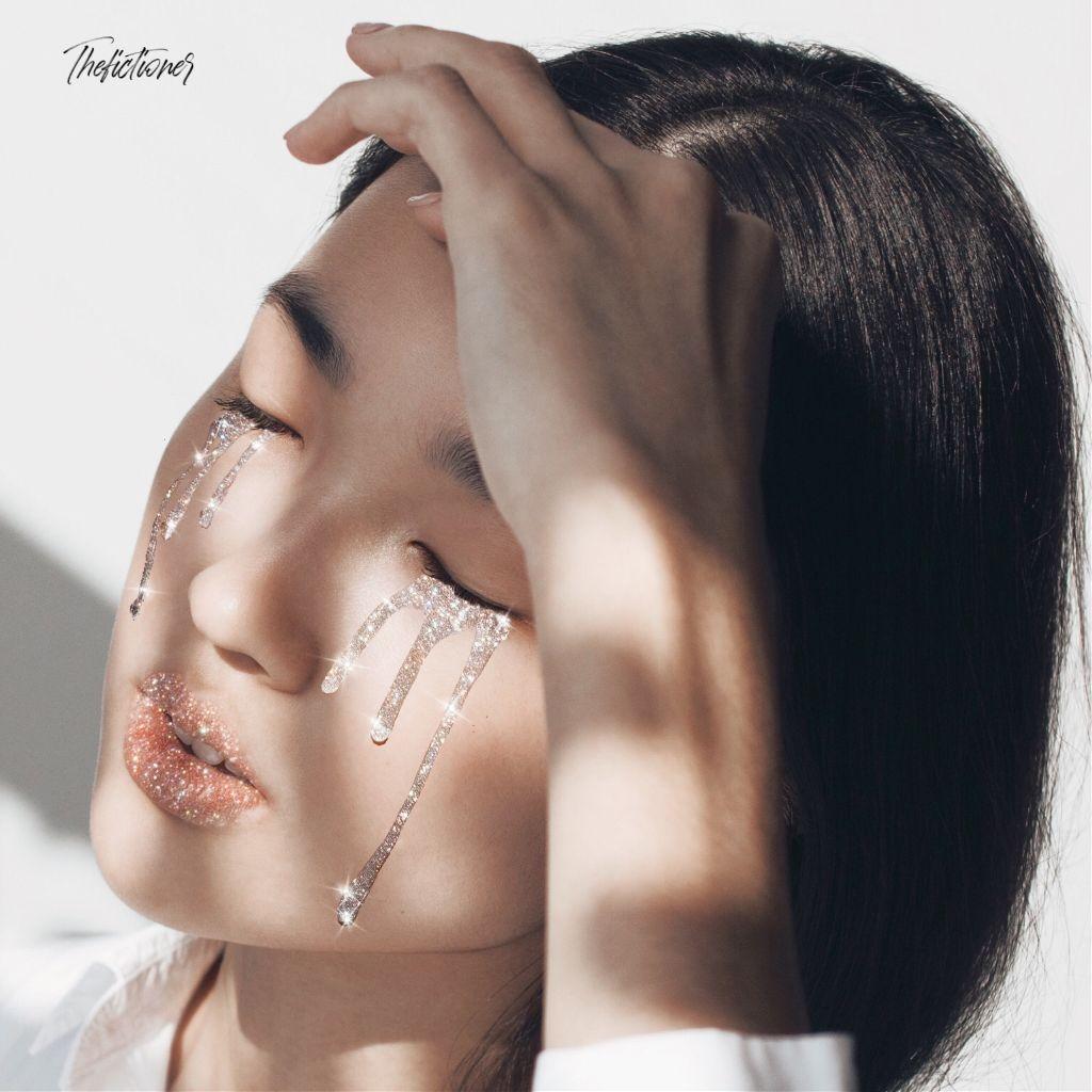 - L U X U R Y -     º Edit by me    º Woman - Photo on Unsplash   #glitter #fantasy #aesthetic #interesting #trendy #woman #freetoedit