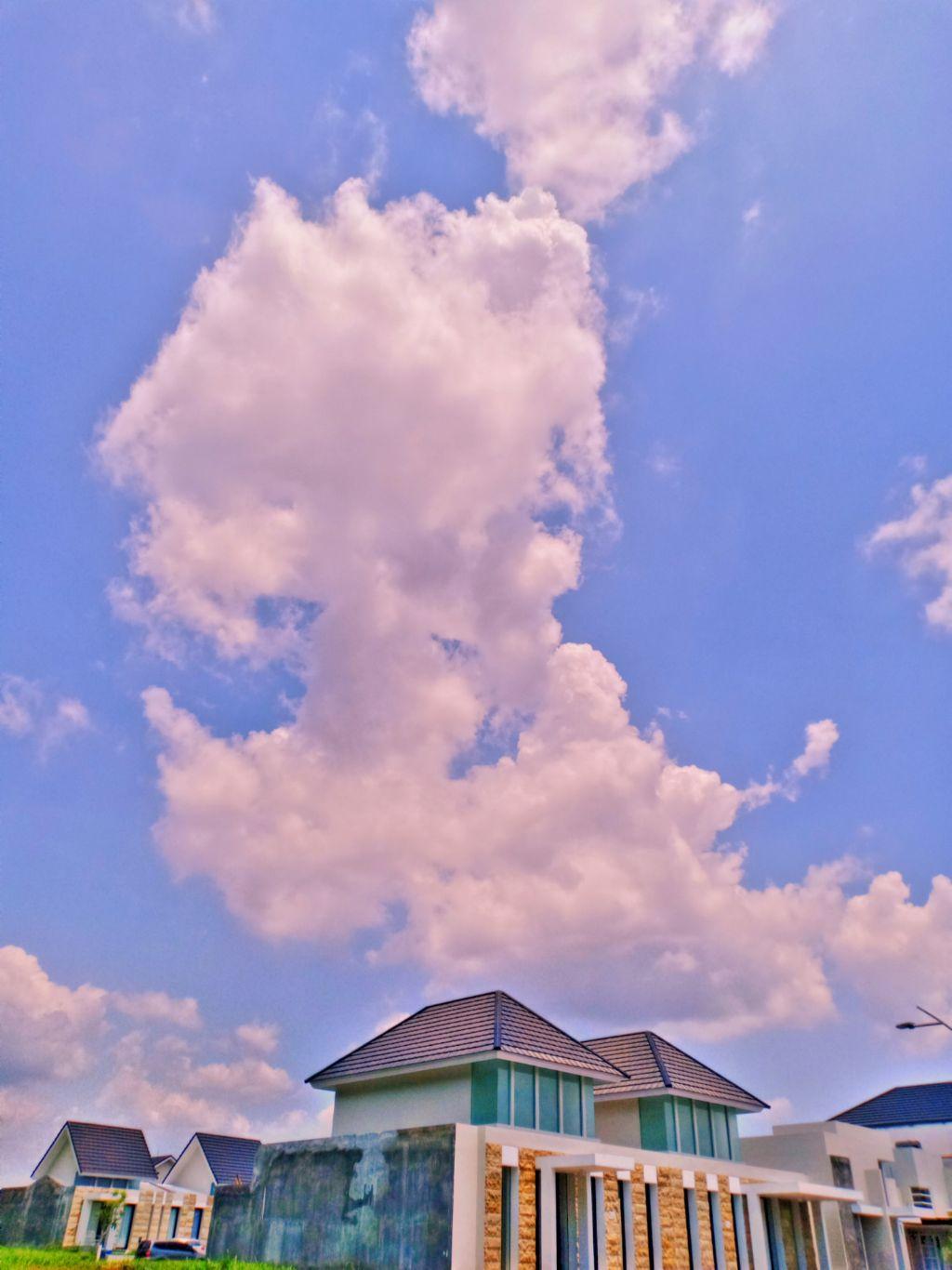 #freetoedit #myclick📷 #edited#neighborhood #home#house#sky#clouds#fataleffect